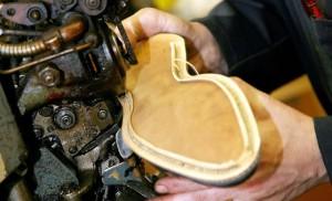 Une vieille machine à coudre les chaussures